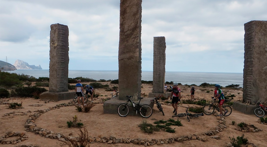 Cala Llentia, bike tour